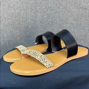 Universal Thread Black and Cheetah Print Sandals